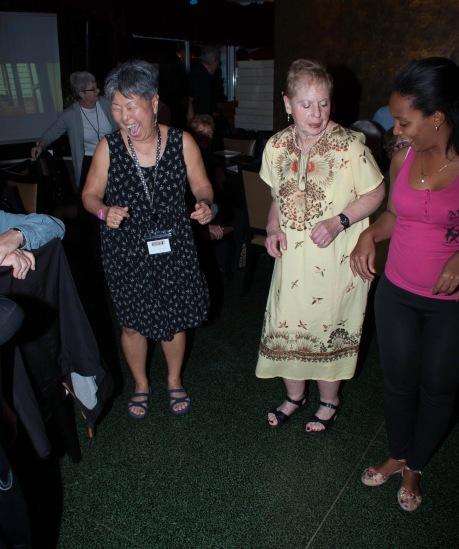 CUBA 2016-01-13 (01) HAVANA - LARI YASUI & LINDA COHEN SALSA DANCING (114)-1